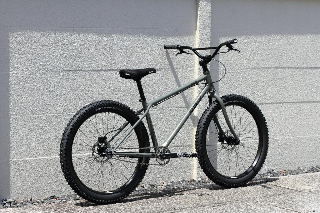 Un gros BMX